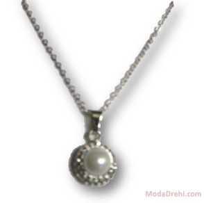 Колие с естествена перла